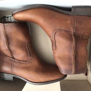 Frye women's Cara short boots, NEW